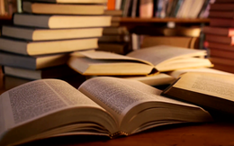 """20 tựa sách đáng đọc nhất thế kỷ 21 do độc giả bình chọn: Thực sự rất đáng để bạn """"gối đầu giường"""" (P1)"""