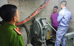 Thiết kế thang máy thay đổi, dân chung cư Ngoại giao đoàn sống trong lo sợ
