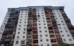 """Nỗi khổ người mua chung cư: Mua dễ, bán """"khó như…lên trời"""""""