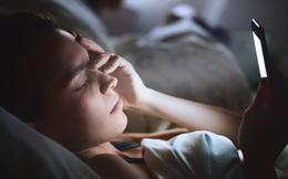 Đây là cách não bị tàn phá mỗi ngày nếu bạn dùng điện thoại trước khi đi ngủ: Giá như ai cũng biết sớm để từ bỏ!