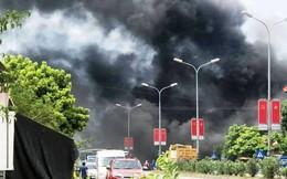 Quốc lộ 1A ách tắc do khói từ đám cháy lớn ở nhà dân