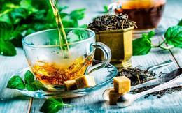 Thanh xuân như một ly trà, pha xong một ấm hết cả thanh xuân: Học nghệ nhân cách pha trà ngon mê ly, đơn giản ai cũng làm được