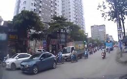Clip: Hãi hùng cảnh xe CX5 hóa 'xe điên', tông cả loạt xe máy khi băng qua đường