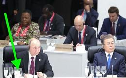 """Trung Quốc """"phát sốt"""" vì cốc trà ông Putin mang tới G-20"""