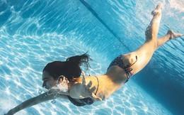 Ai đi bơi cũng cần biết: Loại vi trùng này có thể dễ dàng tồn tại trong nước hồ bơi bẩn và gây bệnh cho con người