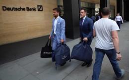 Cảnh tượng như khủng hoảng tài chính của Deutsche Bank: Nhân viên rời đi trong nước mắt, chỉ có 1 tiếng để thu dọn đồ đạc, áp lực đè nén từ Sydney sang London cho tới New York