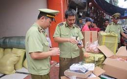 Hàng chục nghìn sản phẩm có nguồn gốc từ Trung Quốc bị tịch thu tại điểm tập kết nhà xe Sao Việt