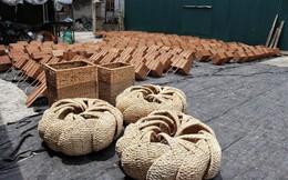 """Ghé thăm làng """"biến"""" cỏ dại thành sản phẩm nổi tiếng hơn 400 năm ở Hà Nội"""
