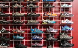 """New York Times: """"Sản xuất giày ở Mỹ, hay là chịu thuế?"""", câu hỏi của Tổng thống Trump và lời đáp từ các nhà sản xuất"""