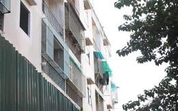 Rào chung cư nghiêng ở quận 1 để đảm bảo an toàn