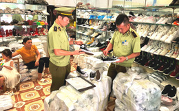 Thu giữ hơn 700 sản phẩm thời trang giả mạo nhãn hiệu Hermes, Adidas...