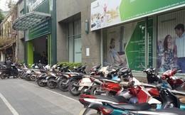 28 Tết: Một số ngân hàng vẫn giao dịch đến hết ngày