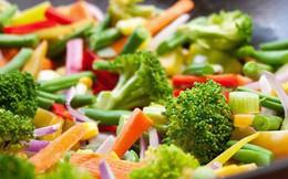 Rau xào - rau luộc - rau sống: Rau nào giữ được nhiều chất dinh dưỡng nhất?