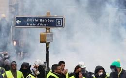 Biểu tình bạo loạn ở Pháp, thủ đô Paris mịt mù khói