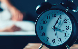 """Mất ngủ, mệt mỏi thường xuyên: 6 """"thủ phạm"""" khiến bạn thao thức suốt đêm, rã rời cả ngày"""