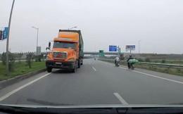 Clip: Container phóng ngược chiều cao tốc Hà Nội - Bắc Giang khiến nhiều người kinh hãi