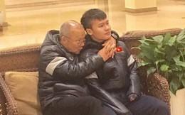 """Mẹ Quang Hải khen thầy Park là """"người hùng đáng yêu"""", chú Văn Lâm xúc động khi nói về cháu trai"""