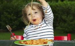 """Cha mẹ áp dụng những mẹo này là sẽ """"đập tan"""" ngay tính nhõng nhẽo, khảnh ăn của con trong ngày Tết"""