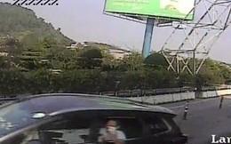 Bắt giam tài xế điều khiển ô tô vượt trạm thu phí Bến Thủy
