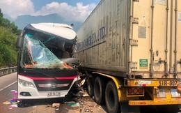 Vụ xe khách đấu đầu container: Nữ du khách Hàn Quốc chấn thương sọ não