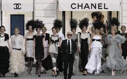 14 show diễn huyền thoại của Chanel dưới thời Karl Lagerfeld khiến giới mộ điệu thổn thức