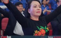 Rajio Taiso có gì hot: Bài thể dục khiến Bộ trưởng Nguyễn Thị Kim Tiến mời hàng trăm vị khách tập giữa cuộc họp