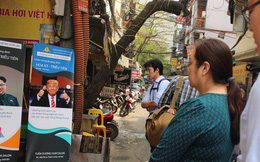 """Báo chí nước ngoài """"đổ bộ"""" vào quán cắt tóc kiểu ông Donald Trump và ông Kim Jong Un"""