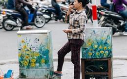 """Chuyện buồn về những tủ điện sắc màu ở Hà Nội bị bôi bẩn: """"Chúng tôi mất 4 ngày tô vẽ, những người khác chỉ mất 3 giây để làm nó lem luốc"""""""