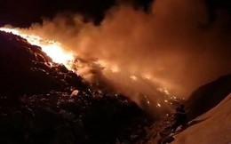 Cháy lớn tại khu xử lý rác, khói bốc cao hàng chục mét