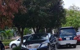 """Lộ """"chủ nhân"""" của nhiều xe biển xanh đi tiệc cưới con chủ nhiệm UBKT Quảng Bình"""