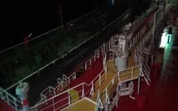 Bắt giữ tàu 2 tàu sang mạn trái phép 3 triệu lít xăng