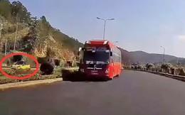 Xe khách chạy ngược chiều trên cao tốc Liên Khương - Đà Lạt