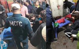 Đối tượng cầm vật nghi là súng vào cướp tiền ở chợ Long Biên