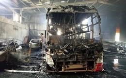 Garage ô tô ở Bình Dương phát cháy, nhiều xe tiền tỷ trơ khung