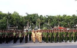 Bộ Công an: Nghiêm cấm cán bộ cho hoặc tặng quân trang