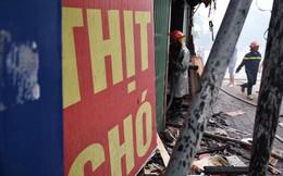 Hà Nội: Quán thịt chó trên đường Lạc Long Quân bốc cháy lan sang hai cửa hàng, khói đen kịt trời