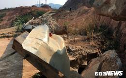 Đường hơn 543 tỷ đồng ở Kon Tum tan nát, hố tử thần giăng 'bẫy' người dân