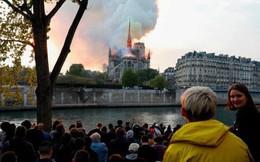 """Người dân đau đớn nhìn ngọn lửa dữ dội trước mắt: """"Paris mà không có Nhà thờ Đức Bà thì không còn là Paris nữa"""""""