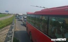 Tai nạn liên hoàn gây ùn tắc, xe ô tô chôn chân xếp hàng dài cả cây số trên Cao tốc Pháp Vân - Cầu Giẽ