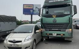 3 vụ tai nạn liên tiếp, cầu Thanh Trì ùn tắc cục bộ