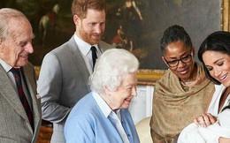 """Con trai đầu lòng của Meghan đã tạo nên khoảnh khắc chưa từng có trong bức hình """"lịch sử"""", đánh dấu mốc quan trọng của Hoàng gia Anh ở điểm đặc biệt này"""