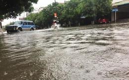 Mưa lớn trong đêm, đường TP Hà Tĩnh 'biến' thành sông