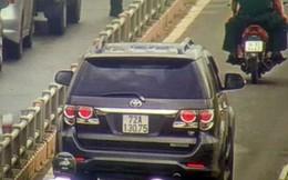 Ôtô tràn vào làn xe máy trên đường dẫn cao tốc TP HCM - Long Thành - Dầu Giây