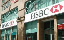 """Chi tiêu lớn, khách hàng """"choáng"""" với cách tính lãi suất khi dùng thẻ tín dụng HSBC"""