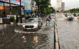 TP HCM: Đường lại thành sông sau trận mưa lớn