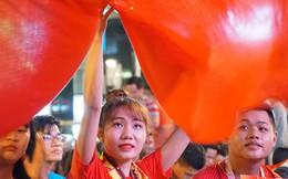 Người Sài Gòn hào hứng ra đường cổ vũ đội tuyển Việt Nam