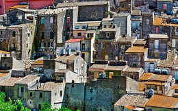 Nhiều ngôi nhà tại Ý được rao bán với giá... 26.000 đồng