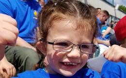 Cảm động với câu chuyện cả trường học ngôn ngữ ký hiệu để chào đón cô bé khiếm thính đầu tiên
