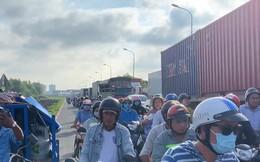 """CLIP: Cầu Phú Mỹ lại """"tê liệt"""", ngàn người ngao ngán"""