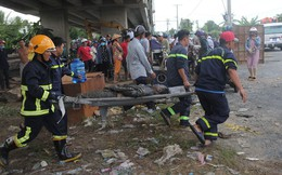 Hai ô tô rơi khỏi cầu Hàm Luông sau va chạm, nhiều người thương vong